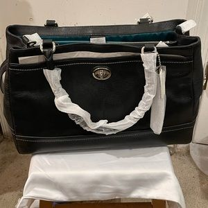 Coach Park Leather Large Carryall F23268